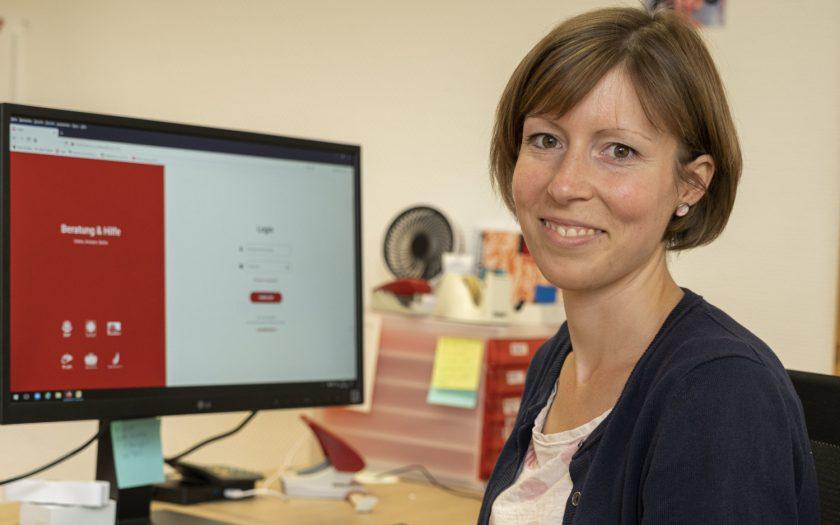 Meike Strakerjahn hilft bei der Psychologischen Online-Beratung